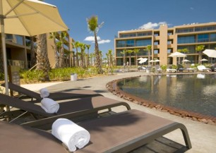 salgados palm village apartments & suites ****