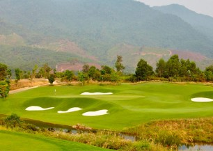vietnam central golf tour *****